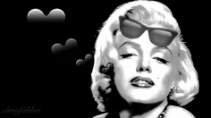 Marilyn with sunglasses- digital